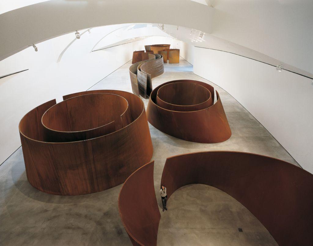RONDA 7.13 DEL ESCULTURAL CONCURSO DE MICRORRELATOS DE FOROAZKENA… ¡¡¡PIEDRONCIAS CAMPEONA!!! 1999-Richard-Serra-Obra-reciente-1024x806