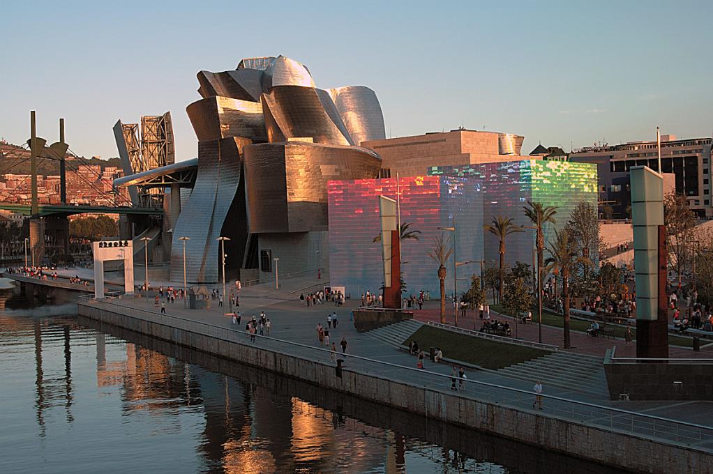 Proyecto de instalación de Campo cuántico-X3 | Hiro Yamagata | Guggenheim Bilbao Museoa