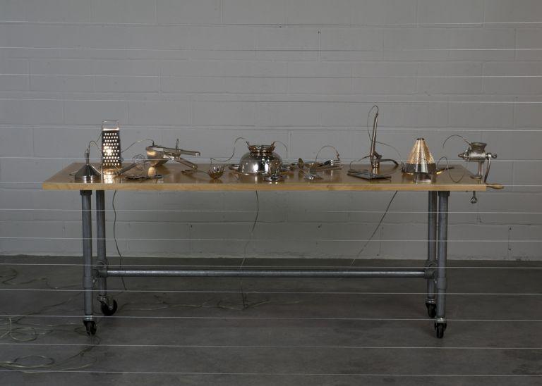 Hogar | Mona Hatoum | Guggenheim Bilbao Museoa