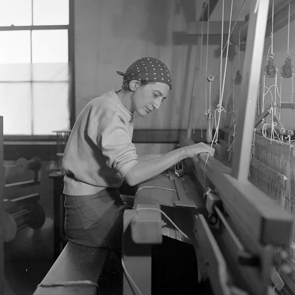 Anni Albers in her weaving studio at Black Mountain College | Annie Albers |