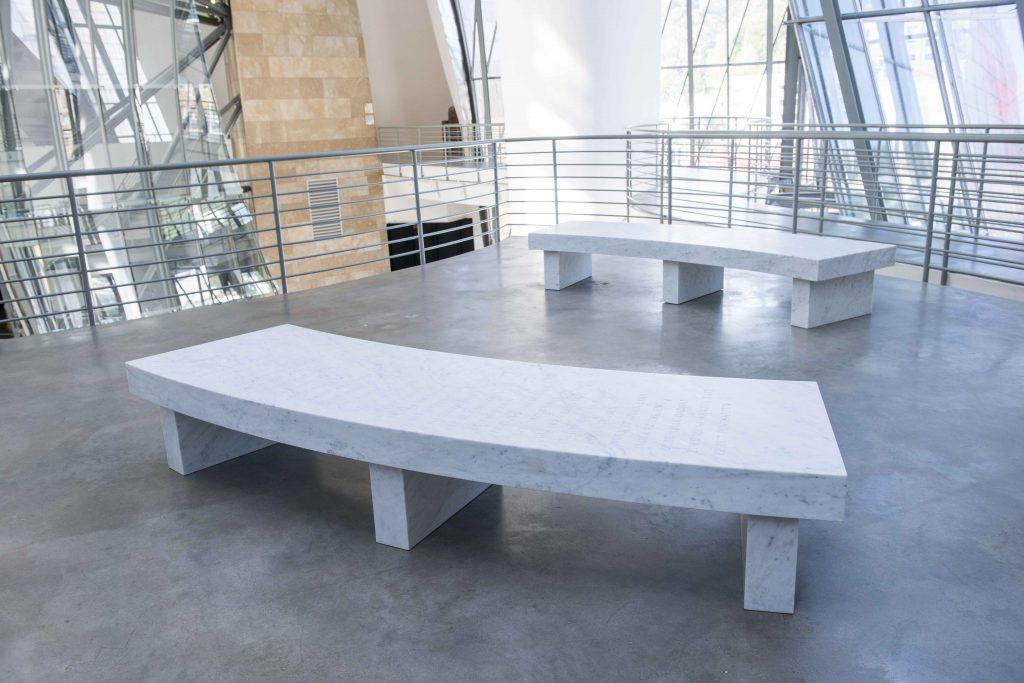 Arno pair | Jenny Holzer | Guggenheim Bilbao Museoa