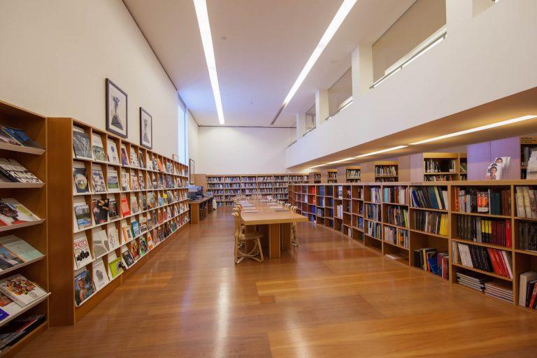 Biblioteca | Guggenheim Bilbao Museoa