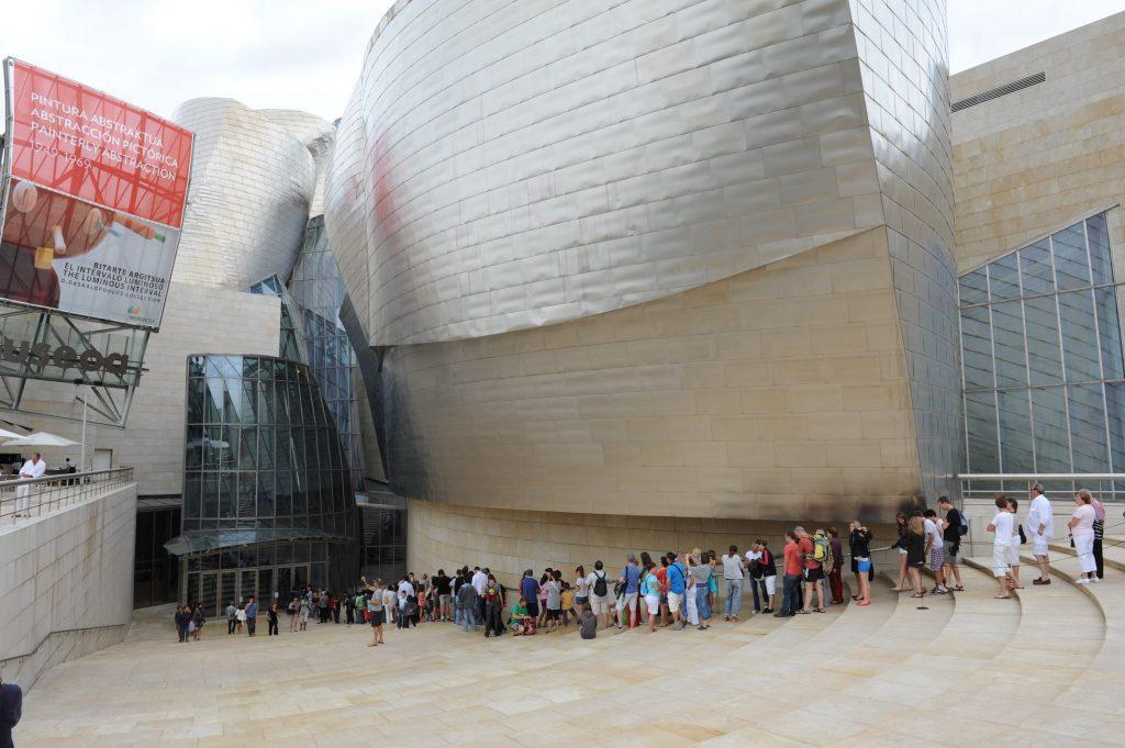 Cola visitantes (2011) | Guggenheim Bilbao Museoa