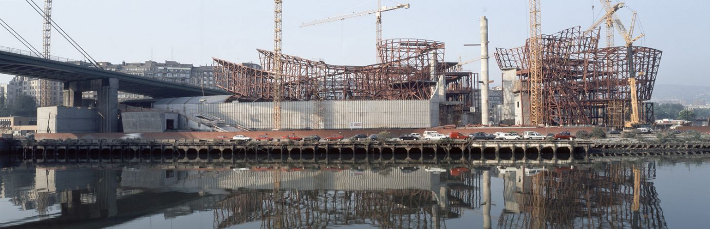 Construcción del edificio desde Deusto | Guggenheim Bilbao Museoa
