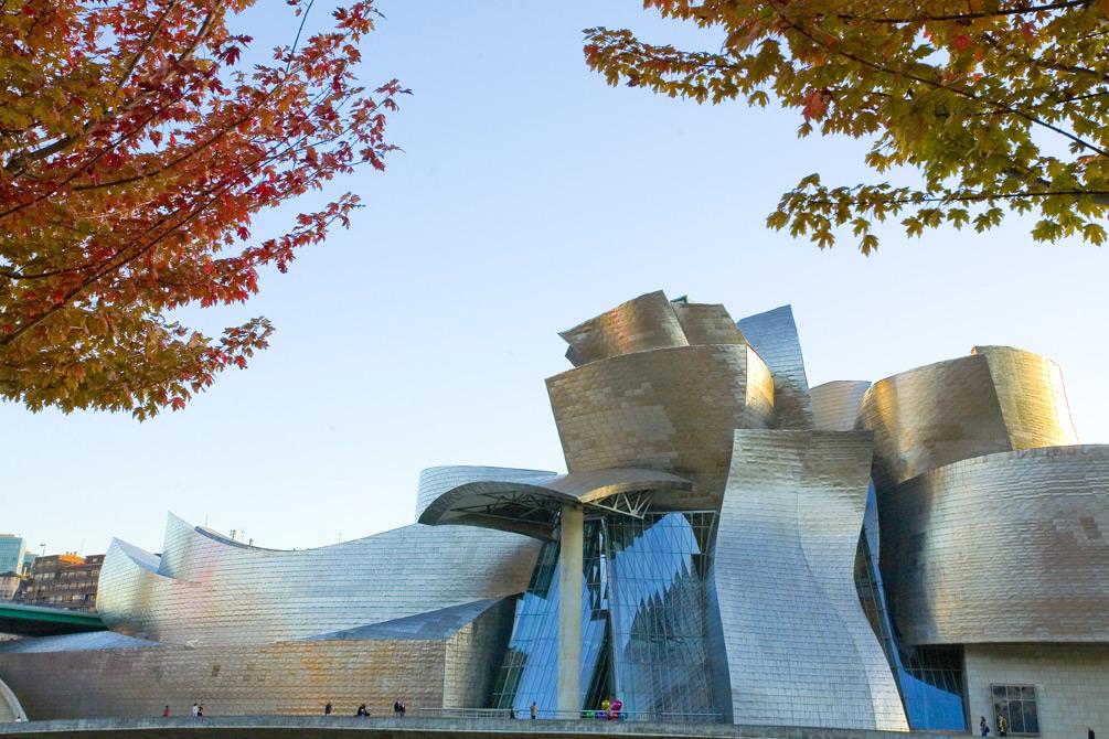 Exterior del edificio desde Deusto | Guggenheim Bilbao Museoa