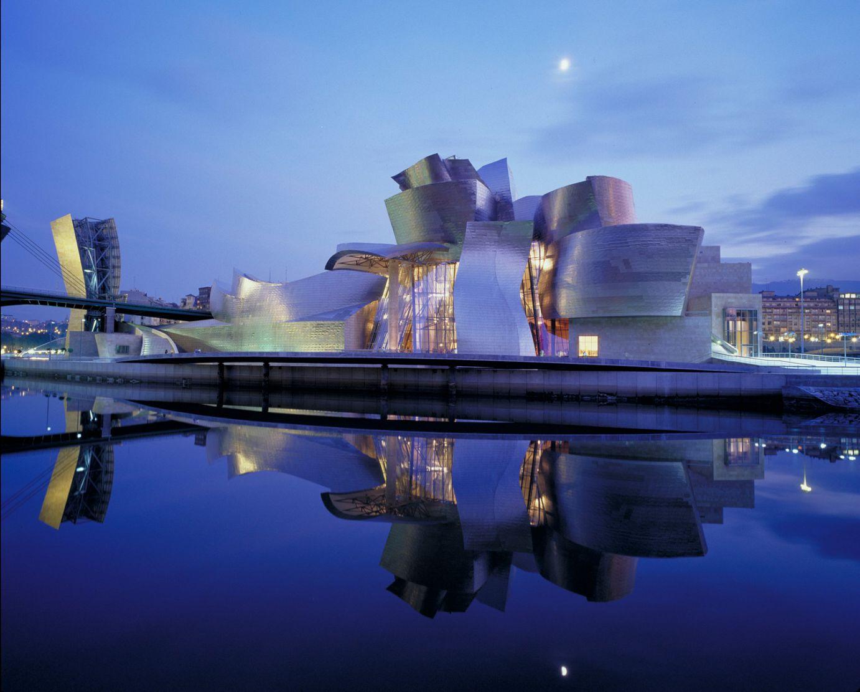Exterior del edificio, nocturna | Guggenheim Bilbao Museoa