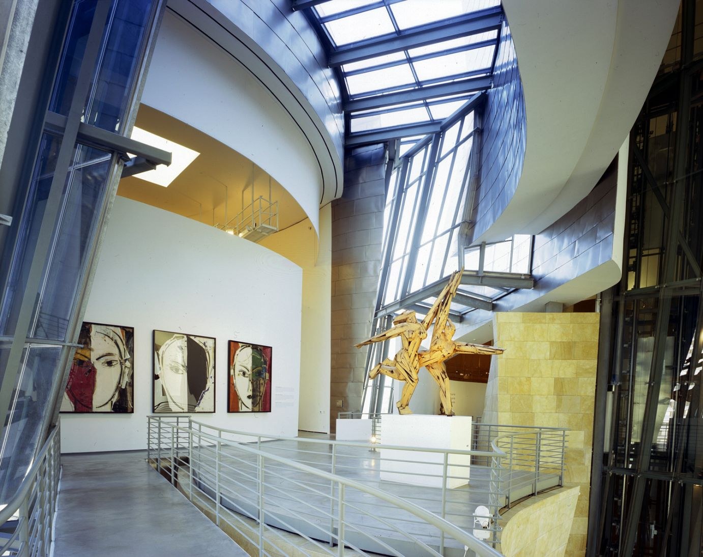 Inside the building, Manolo Valdés | Guggenheim Bilbao Museoa
