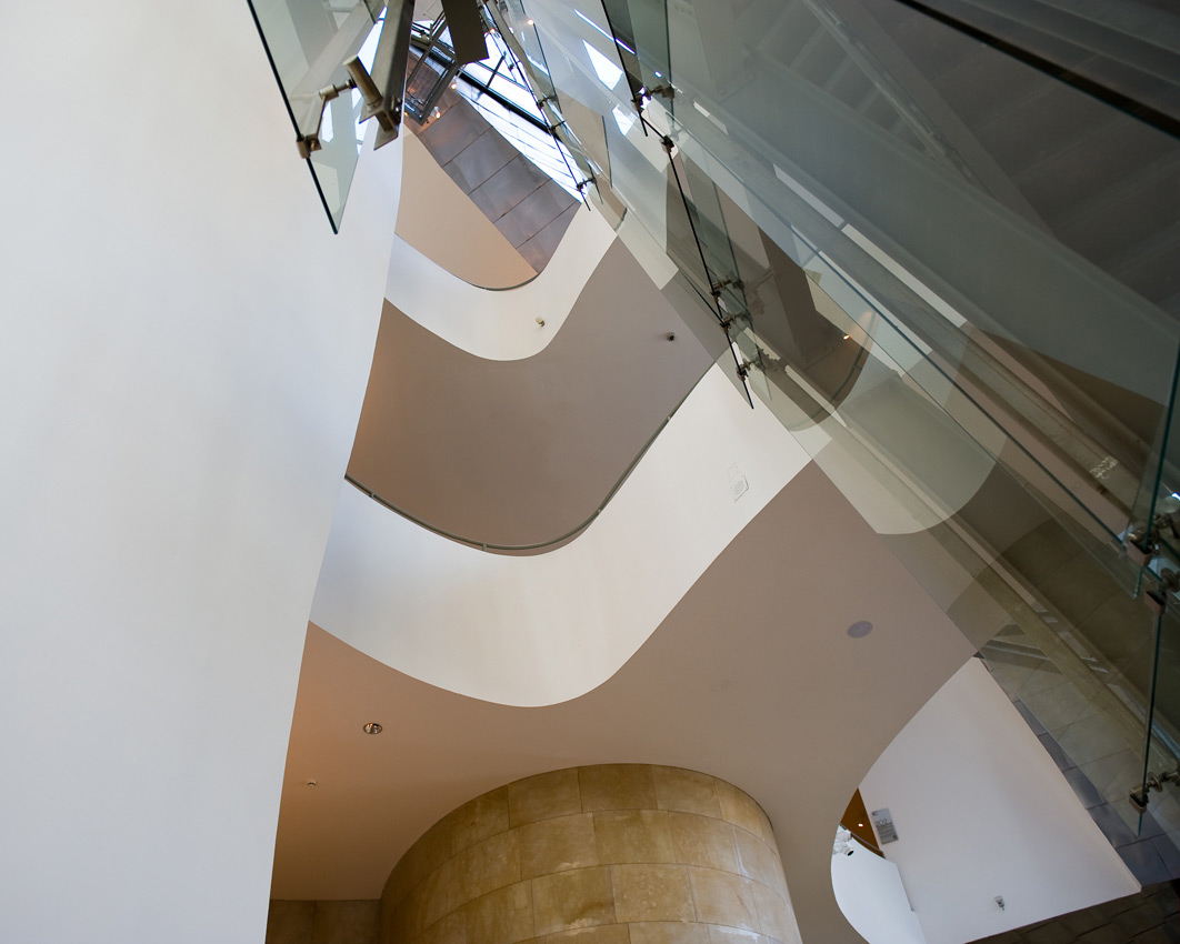 Floors inside the building | Guggenheim Bilbao Museoa