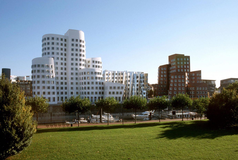 Frank Gehry-k diseinatutako eraikina Dusseldorf-en | Guggenheim Bilbao Museoa