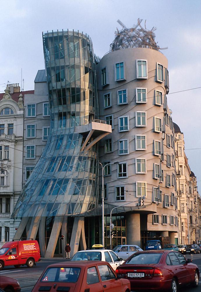 Frank Gehry-k diseinatutako eraikin bat, Pragan | Guggenheim Bilbao Museoa