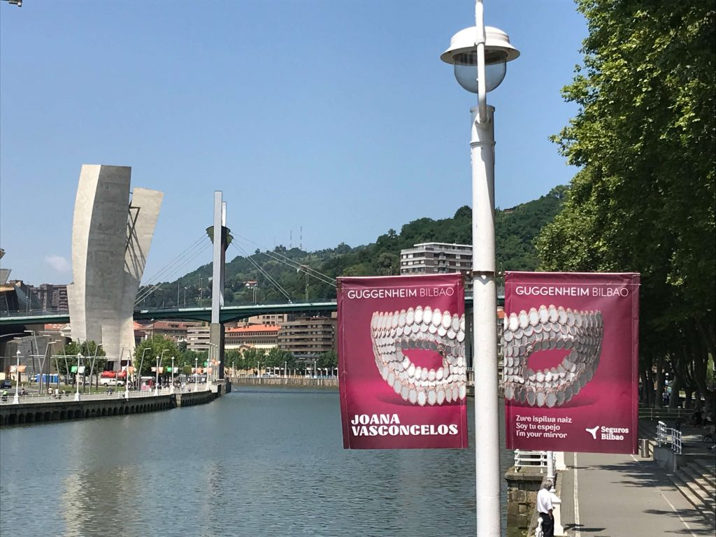 Joana Vasconcelos. Soy tu espejo | Guggenheim Bilbao Museoa