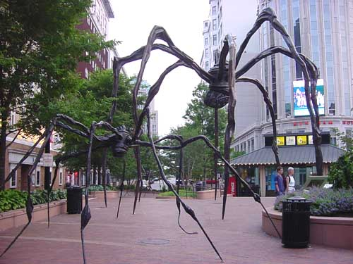 Mamá en Playhouse Square, Cleveland | Louise Bourgeois | Guggenheim Bilbao Museoa