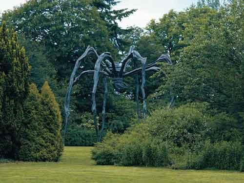 Maman in Schlosspark Wendlinghausen | Louise Bourgeois | Guggenheim Bilbao Museoa