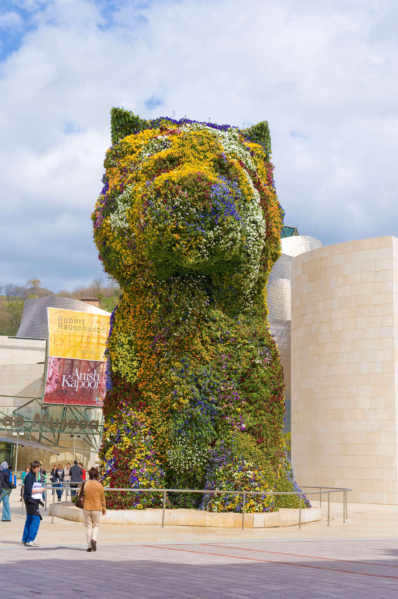 Puppy in yellow tones | Jeff Koons | Guggenheim Bilbao Museoa