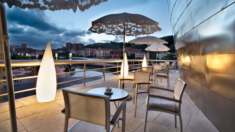 Terraza del restaurante Bistró Guggenheim Bilbao | Guggenheim Bilbao Museoa