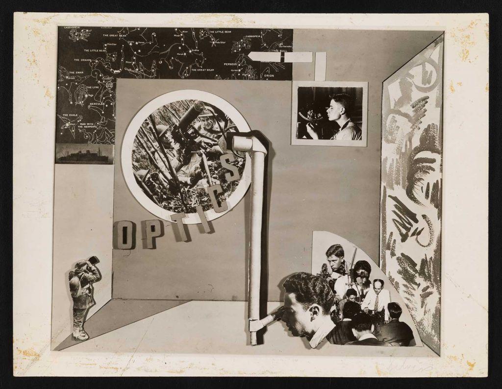 Fotografía de uno de los diseños para los escaparates del War Service