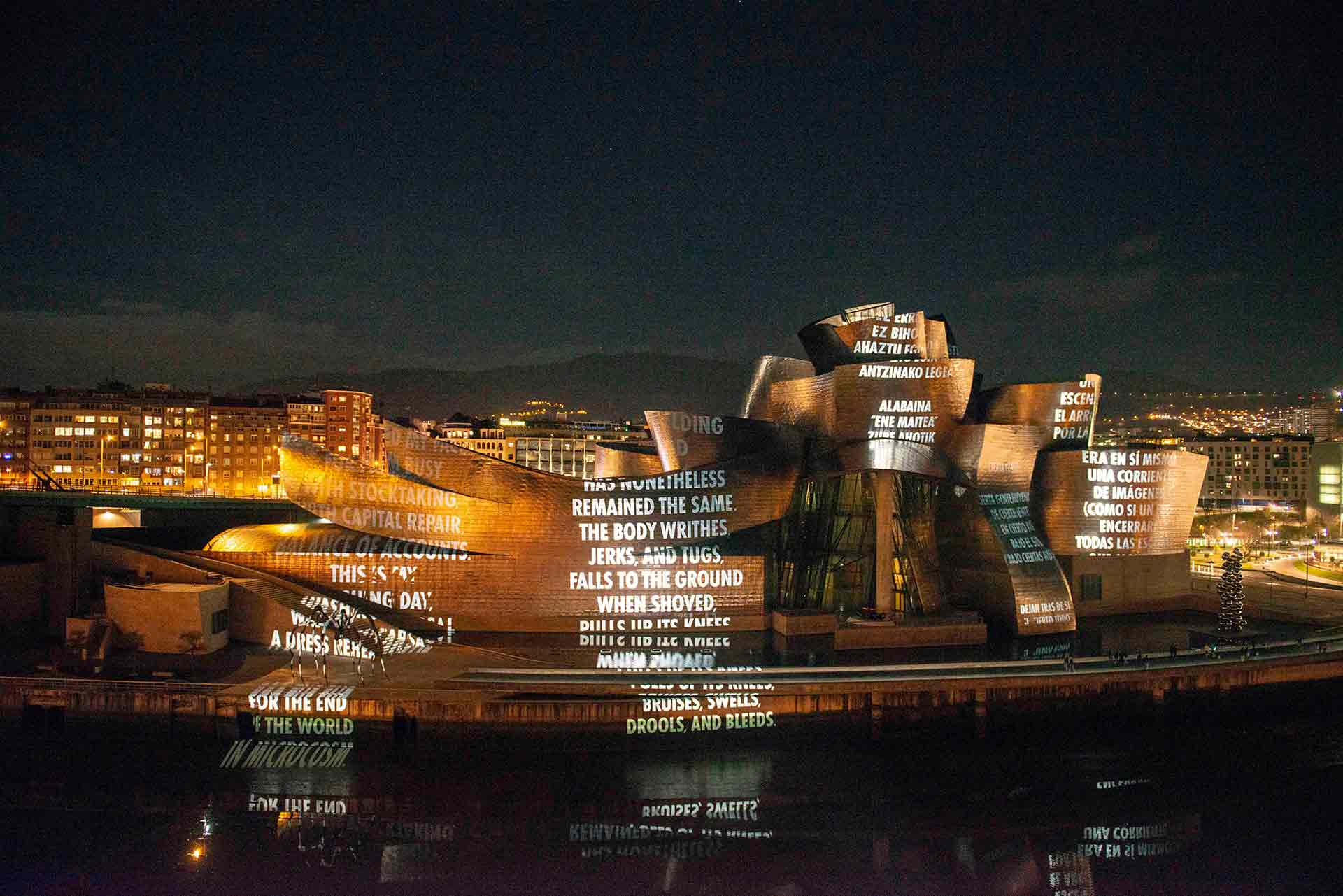 J-Holzer_For-Bilbao-proyeccion