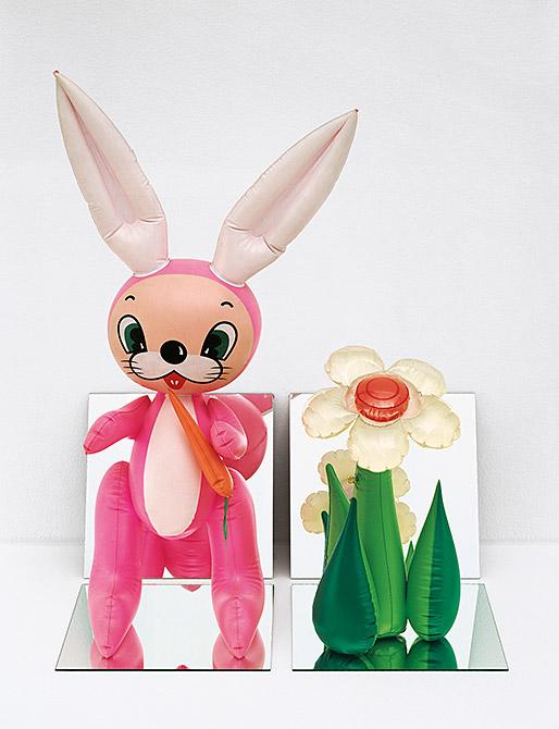 Flor y conejo hinchables